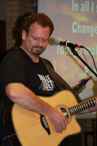 Michael Robert: A hitmaking independent with a love for the hymns