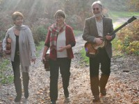 Hebron: Helen Shapiro, Chrissy Rodgers and Simon Elman pioneering Messianic music