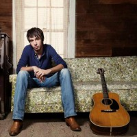 Mo Pitney: Taking country music back to its rural roots