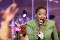 Shekinah Glory Ministry: Tongues and prophecy in full-on gospel worship